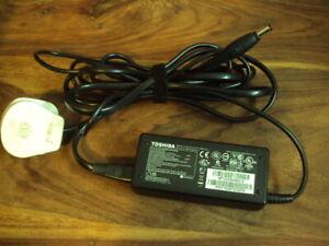 Toshiba AC/DC Adapter 19V  3,42A    PA3714U-1ACA 100-240V 1,6A