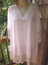 Vintage 60's White Short Style Peignoir Negligee Set w/Lace Sz Med