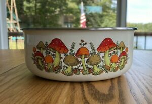 Vintage Enamelware Metal Mixing Bowl Merry Mushroom 7 inches Nice Piece