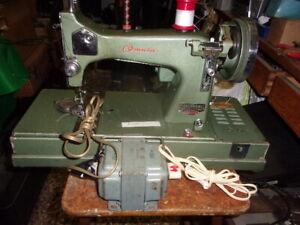 Machine à coudre ManuFrance modèle Omnia saint Etienne - FONCTIONNE avec transfo
