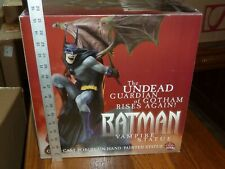 BATMAN VAMPIRE STATUE DC DIRECT CRACK IN WINGS STILL HOLDS 2000 # 0705/2800