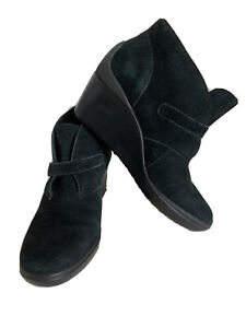 TSUBO Black Suede Ankle Boot Bootie Wedge Size 7 EUC