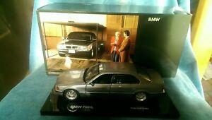 BMW Dealership 1/24 Scale 80 43 9 422 371 BMW 750iL Tomorrow Never Dies 007