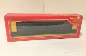 Triang OO gauge R620 Engineering Dept Clerestory Coach (black)