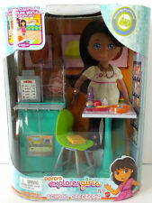 Dora's Explorer Girls  School Cafeteria
