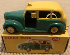 DINKY TOYS No 254 AUSTIN TAXI YELLOW & GREEN. Great Condition & All Original.