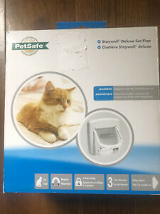 Petsafe Staywell Deluxe Magnetic Cat flap, White, 4 way locking, selective entry