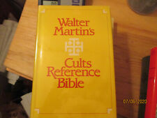 Walter Martin CULTS REFERENCE BIBLE King James Version HARDBOUND 1100 Pages