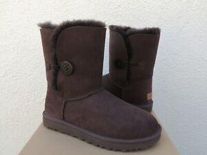 UGG CHOCOLATE BAILEY BUTTON II SUEDE/ SHEEPSKIN BOOTS, WOMEN US 7/ EUR 38 ~NIB