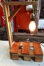 Superbe lampe de chevet/de table luminaire vintage fait avec bois de palette n°1