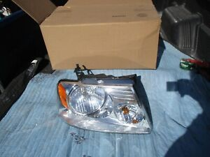 NOS FORD Head Lamp Assembly  2005 2006 2007 2008 Ford Lincoln F-150 Mark LT