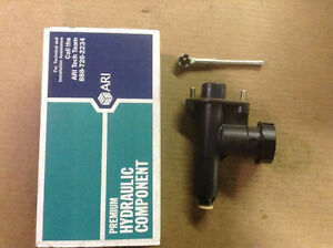 NEW ARI Q85007 Clutch Master Cylinder | Fits 88-95 Ford E150 E250 E350