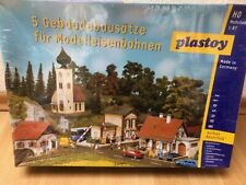 plastoy - 5 Gebäudebausätze - Dorfset - Spur HO