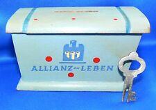 Alte Spardose der ALLIANZ-LEBEN aus Holz mit Schlüssel