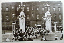 King George V Coronation Buckingham Palace Coach Vintage Divided Postcard 954