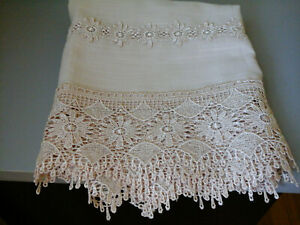 floral lace polyester 16X70 table runner new no tag
