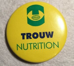 RETRO VINTAGE ORIGINAL PINBACK BUTTON BADGE TROUW NUTRITION 2 INCH (#GG03)