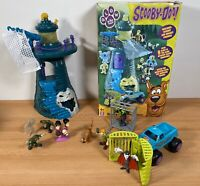 Scooby Doo Playset - Scooby Solves The Mystery Of The Frighthouse Toy + Figures