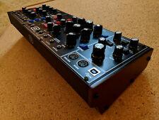 "Behringer Model D * Synthesizer in neuwertigem Zustand * ""Minimoog-Klon"""