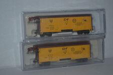 2 Atlas American Refrigerator Transit 40' Plug Door Box Car N scale 33262, 33263