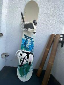 Flow Snowboard mit Burton Freestyle Bindungen 149cm
