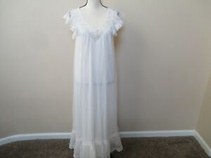 VINTAGE TOSCA Long 2 Layer Nylon Nightgown with Lace and Flounce Small