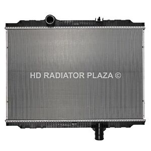 Radiator For 11-13 Kenworth T170 T270 T300 T370 T400 Peterbilt 325 330 337 348