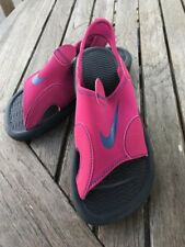 Nike Basic Water Sandals  Classic Style Raspberry NEW  Youth Girls Size 6