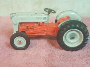 Ertl Ford Toy Tractor Diecast 1:16  COLLECTOR'S EDITION, GOLDEN JUBILEE