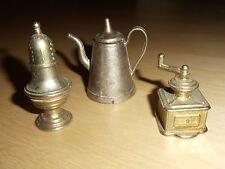 Setzkasten Miniaturen Messing Puppenstube Kaffeemühle Teekanne Pokal 4-6 cm