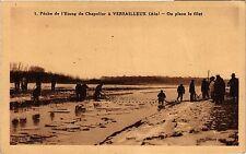 CPA  Peche de l'etang de Chapelier á Versailleux - On place le filet  (382509)