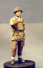 Resicast 1/35 British Airborne Officer with Body Armor at Ease Smoking 355556