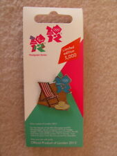 London 2012 Deck Chair & Sun Hat - Beach / Seaside Limited Edition Pin Badge