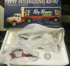 Roy Rogers Cookie 1st Gear 1949 International KB10 Trailer 1/34 Scale Semi Truck