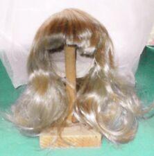 """Peluca de muñeca 10.5"""" a 11"""" de largo cabello rubio/usada/Vintage"""