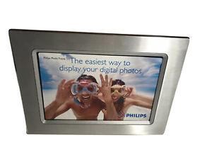 Philips Model 9FF2 61/2 In -9In Digital Photo  Frame Gray-white