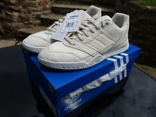 Adidas AR Trainer Size 9 Off White New With Box