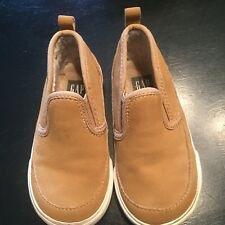 GAP Baby / Toddler Boys Size 7 Tan Brown Sherpa-Lined Slip-On Shoes