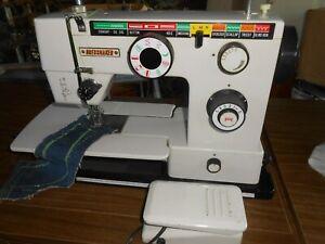 White Sewing Machine, Sews Excellent, very nice machine
