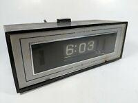 Vintage GE General Electric Alarm Clock Lighted Flip Dial 8142-4 Retro Decor