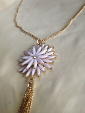 Necklace White Daisy Pendant Crystal Centre Enamel Style PetalsGold Metal Chain