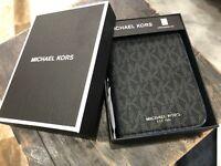 Michael Kors Signature Unisex Grooming Kit  & Zip Travel Case Black Multi $118