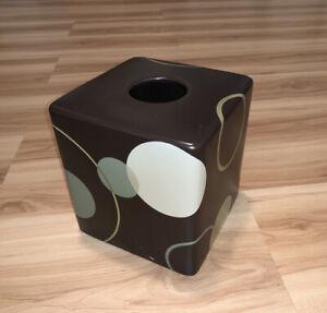 Bed Bath Beyond Ceramic Kleenex Box Holder Brown Green Circles