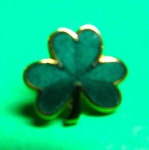 HALLMARK GREEN SHAMROCK ST PATRICKS DAY GOLD METAL TIE TAC SCATTER PIN (P124)