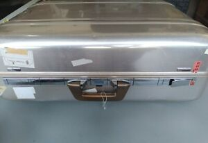 Vintage Zero Halliburton 25x18x7 aluminum suitcase