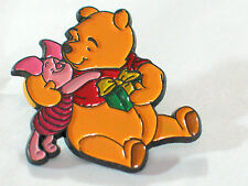 Winnie the Pooh and Piglet w/present Disney Pin Badge