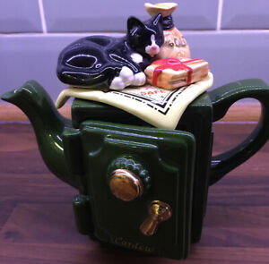 CARDEW TWO CUP GREEN SAFE TEAPOT
