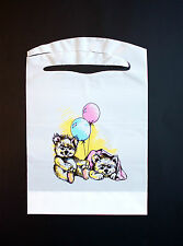 100 PACK OF DISPOSABLE PLASTIC KID'S BEARS AND BALLOONS BIBS FREE SHIPPING