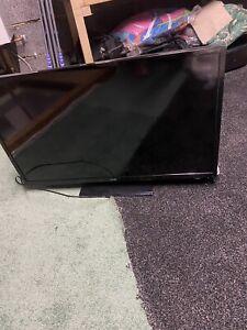 LOGIK L32SHE17 LED 32-inch 720p HD-Ready Smart TV