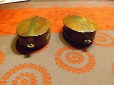 Deux poulies de voiliers décoratives